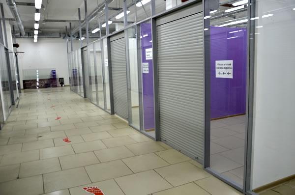 Пустые площади в проблемном торговом центре