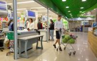 Якорный арендатор - супермаркет «Слата» на первом этаже торгового центра «Цветной парк»