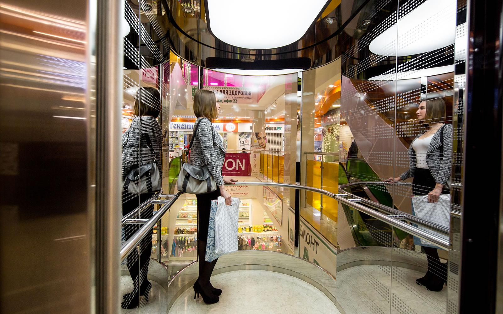 Вертикальные коммуникации торгового центра «Цветной парк»