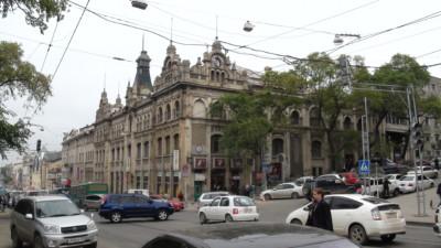Торговый центр Владивостокский ГУМ бывший Кунст и Альберс