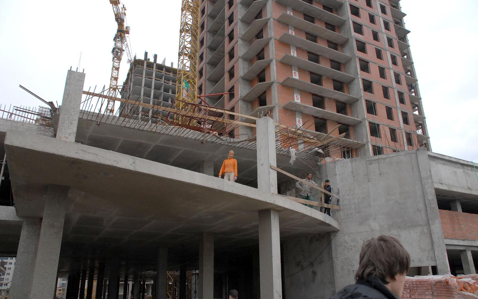 """Строительство ТЦ """"Комос"""" в Санкт-Петербурге"""
